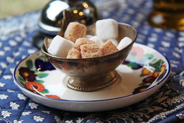 【漂白なの?】上白糖と三温糖の違いを知って美味しく食べよう♪