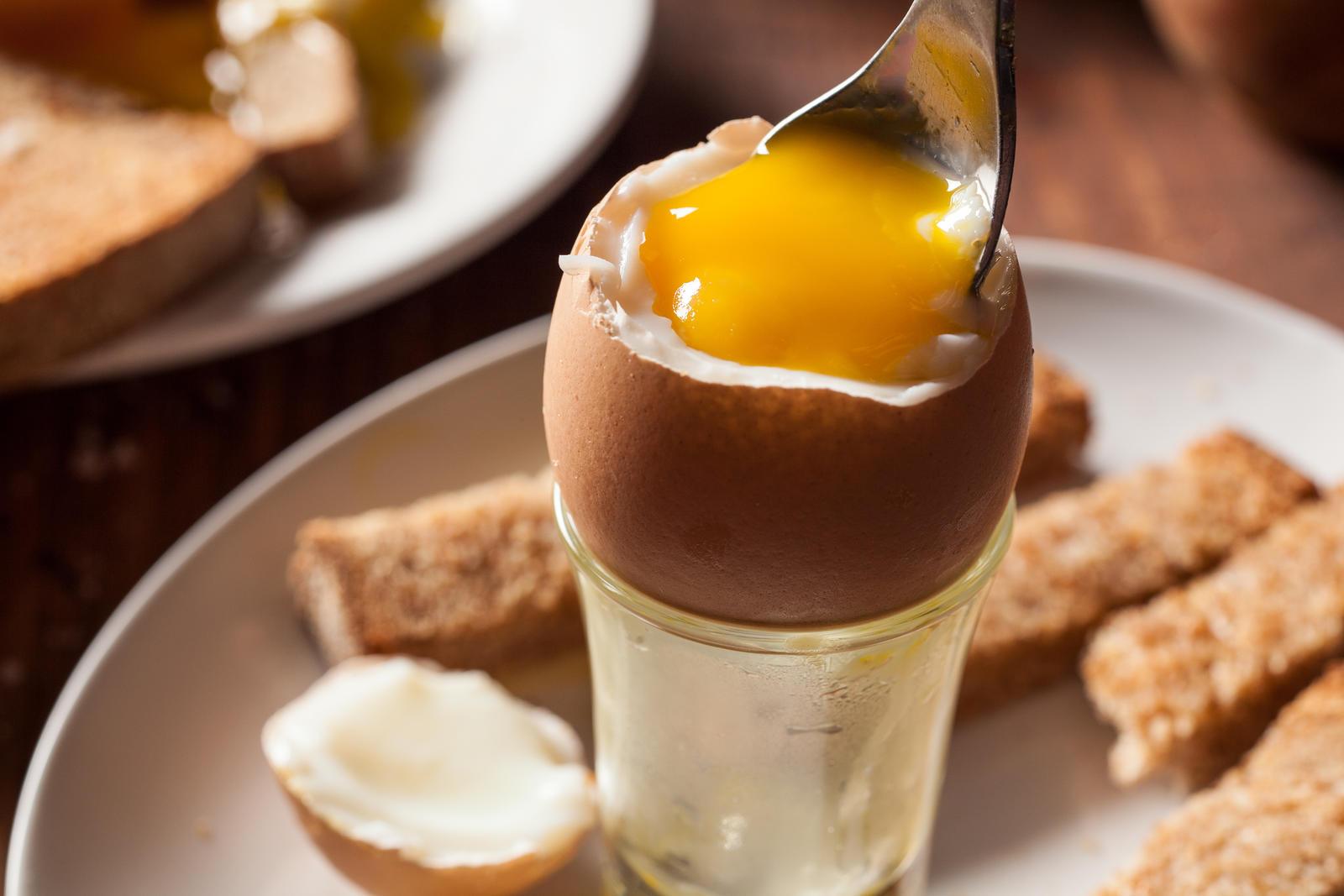 「半熟ゆで卵」「温泉卵」の作り方と、殻を綺麗に剥く方法♪