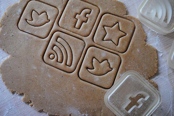 social_media_icon_styled_cookie_cutter_4